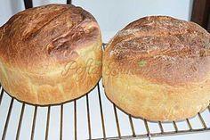Paine pufoasa de casa cu malai si cartofi Bread Recipes, Cooking Recipes, Healthy Recipes, Healthy Food, Pita, Romanian Food, Baked Goods, Bakery, Deserts