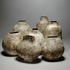 Art objects made made from ceramics – this is ceramic art. Find interesting international artists working in clay, porcelain and other ceramics on Art Aurea Ceramic Clay, Ceramic Pottery, Pottery Art, Earthenware, Stoneware, Coil Pots, Keramik Vase, Black Clay, Pottery Sculpture
