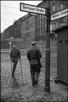 The construction of the Berlin Wall, 1962