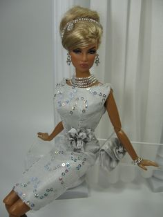 What a beauty  silver sequin dress  Fashion Royalty BARBIE  FASHION ICON | Big Fashion Show silver sequin dress