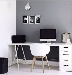 Desk chairs. Image source: lovelaurenalexa instagram