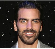 Nyle DiMarco Went From 'America's Next Top Model' To Broadway Producer: How 'Children Of A Lesser God' Paved The Way – Deadline Pretty Men, Gorgeous Men, Deaf Actress, Nyle Dimarco, Deaf People, Latin Men, America's Next Top Model, Reality Tv Shows, Difficult People