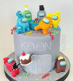 Buttercream Cake, Fondant Cakes, Cupcake Cakes, 10th Birthday Parties, 7th Birthday, Pig Birthday Cakes, Fun Party Themes, Strawberry Cakes, Cakes For Boys