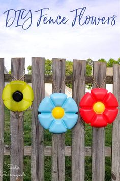 Fence decorations as whimsical garden decor is as easy as heading to the thrift store for a few round plastic trays to upcycle! This is SUCH a simply repurposing idea but the results are fun, colorful, and make your yard pop! #gardendecor #DIYgardendecor #fencedecor #fencedecorations #yarddecor #gardenart #habitatrestore #DIYyarddecor #DIYgardenart Diy Furniture Projects, Diy Projects, Upcycling Projects, Repurposing, New Project Ideas, Craft Ideas, Diy Ideas, Decor Ideas, Habitat Restore