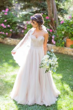 This two-piece dress is flawless! View the full wedding here: http://thedailywedding.com/2016/02/06/playful-perch-wedding-zach-hannah/
