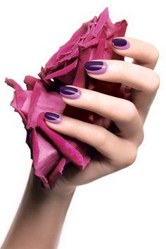 light and dark purple nails