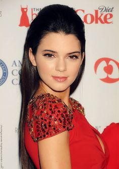 kendall jenner make up and hair