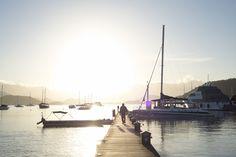 A mais bela marina do país, se encontra no litoral sudeste.    Ela, a Marina do Frade, tem capacidade para atender até 120 embarcações, fornecendo energia elétrica, água doce, wireless e serviços de apoio aos donos dos barcos e seus tripulantes. Inclusive para barcos acima de 150 pés.    #AngraDosReis #MarinaDoFrade #InvestimentoImobiliario #Imoveis #Exclusividade #Fasano #HotelFasano Mostrar menos