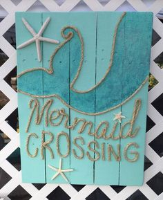 Handmade Mermaid Crossing with Rope Beach Pallet Art is part of Easy Beach crafts - 2 inches Beach House Style, Beach House Decor, Home Decor, Beach Room, Beach Art, Deco Marine, Mermaid Bedroom, Mermaid Nursery, Mermaid Crafts