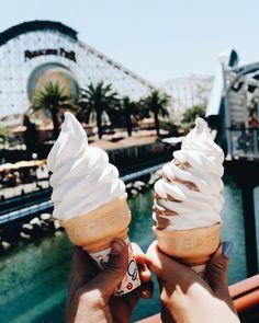 Women Hairstyles Long Cut… - New Site Summer Aesthetic, Aesthetic Food, Disney Aesthetic, Milkshake, Bobs Blondes, Soft Serve, Disney Food, Food Cravings, Love Food
