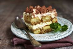 <i>This is a Door County Coffee Fan recipe. It was not made in the kitchens of the Door County Coffee Caf&eacute; Tiramisu Cheesecake, Tiramisu Dessert, Food Cakes, Remoulade, Creme Mascarpone, Cake Recipes, Dessert Recipes, Pudding Desserts, Cacao