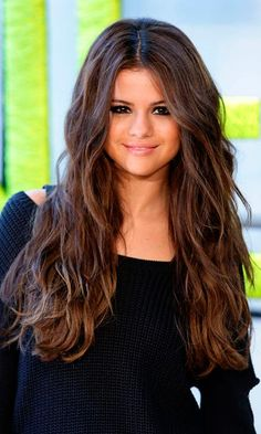 Cute Brown and Black Hairstyles for Women #SelenaGomez #BrownHairstyle