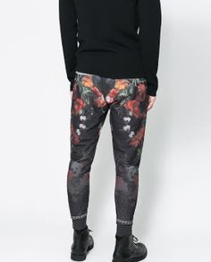 FLORAL-PRINT TROUSERS from Zara