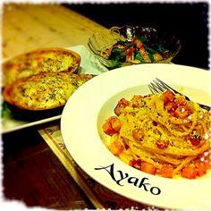 本場イタリアでは、カルボナーラを作る時に、生クリームを使わないそうです。 生クリームや牛乳を使わなくても、とってもクリーミーで、美味しい〜 - 157件のもぐもぐ - 生クリームを使わないローマ風カルボナーラ、挽肉と米茄子のグラタン、ベーコンと椎茸のベビーリーフサラダ by ayako1015                                                                                                                                                                                 もっと見る