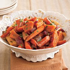 Slow Cooker Balsamic Root Vegetables are a flavorful side dish that's a perfect addition to your Thanksgiving spread! Best Thanksgiving Side Dishes, Thanksgiving Recipes, Fall Recipes, Thanksgiving Salad, Family Thanksgiving, Holiday Recipes, Vegetable Side Dishes, Vegetable Recipes, Slow Cooker Recipes