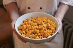 Ein herbstlicher Salat, so prächtig wie die Farben der Laubwälder: Der Kürbissalat.