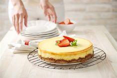 Pečeného dortu ze sušenek se vůbec nemusíte bát. Připravte si ho s dětmi třeba během nadcházejícího víkendu na rozloučenou s prázdninami.