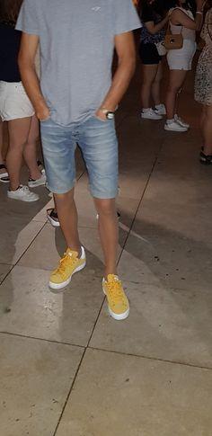 Men In Stockings, Men Wearing Skirts, Street Fashion, Mens Fashion, Tights And Heels, Mens Tights, Comfy Pants, Tight Leggings, Shorts