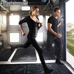 Divergent Entertainment Weekly cover June 2013 with Shailene Woodley (Beatrice 'Tris' Prior) and Theo James (Tobias 'Four' Eaton). Divergent 2014, Divergent Trilogy, Divergent Insurgent Allegiant, Divergent Quiz, Divergent Quotes, Tfios, Divergent Funny, Theo James Allegiant, Divergent Costume