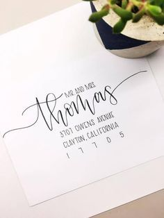 Informations About Custom envelope calligraphy, Handwritten wedding envelope, Modern Calligraphy env Hand Lettering Envelopes, Calligraphy Envelope, Envelope Art, Wedding Calligraphy, Modern Calligraphy, Addressing Wedding Invitations, Wedding Envelopes, Addressing Envelopes, Making Envelopes