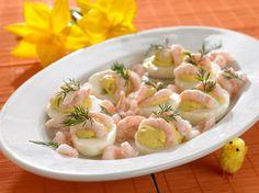 Æg med karrysalat og rejer En skøn anretning til påskebordet
