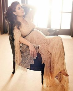 Kareena Kapoor Khan looking just sensational for her new shoot in Grazia India magazine. @Bollywood ❤ ❤ ❤