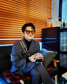 Asian Actors, Korean Actors, Chica Dark, Doom 3, Dark Anime Guys, Seo In Guk, Gong Yoo, Kdrama Actors, Drama Korea