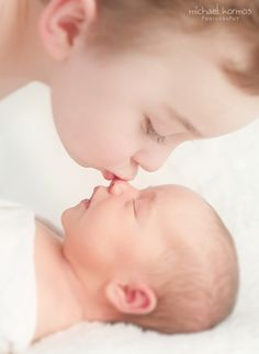 sweetest big brother (newborn photography, newborn photographer nyc) | Michael & Sophie Kormos Photography | BLOG.