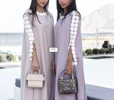 Ready to wear🌸 Abaya Fashion, Muslim Fashion, Fashion Outfits, Mode Abaya, Mode Hijab, Estilo Abaya, Mode Kimono, Arabic Dress, Abaya Designs