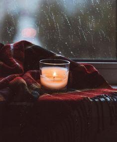 Cozy Rainy Day, Rainy Night, Rainy Days, Cozy Aesthetic, Autumn Aesthetic, Night Aesthetic, Aesthetic Outfit, Aesthetic Dark, Aesthetic Vintage