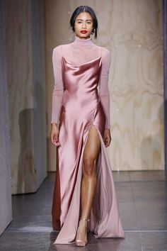 Jonathan Simkhai Fall 2019 Ready-to-Wear Fashion Show Jonathan Simkhai Herbst 2019 Konfektionskollektion – Vogue Look Fashion, Teen Fashion, Fashion Show, Fashion Styles, Fashion Trends, Preppy Fashion, Fashion Tape, Fashion Forms, 2000s Fashion