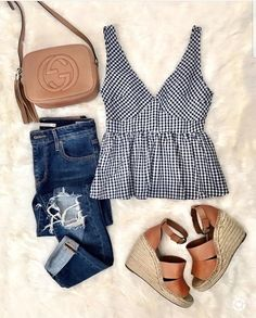 Leopard Print Shirt Long sleeve O-Neck Beautiful Summer outfits that you need to copy right now! These styles ideas are super trendy and the perfect summertime outfit inspiration! Mode Outfits, Casual Outfits, Fashion Outfits, Womens Fashion, Fashion Trends, Ladies Fashion, Fashion Ideas, Fashion 2018, Fashion Clothes