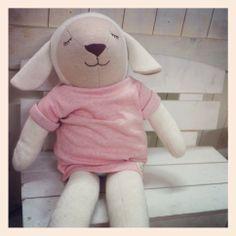 Sheep Yang ee, Hanz friends, Baby's 1st soft dolls. Designed by Hanz, using organic cotton fabric.