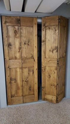 We have already discussed barn doors for bedrooms and barn door closet ideas, so today we will go with the rustic finish.Closet doors have gone a long way since being just a couple of simple… Rustic Home Interiors, Closet Bedroom, Diy Closet Doors, Rustic Farmhouse, Door Makeover, Rustic Doors, Door Inspiration, Rustic Closet, Rustic House