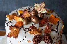 Autumn is here!  To celebrate falls woodland colors, we have created these beautiful marzipan leaves, acorns and pinecones to decorate your