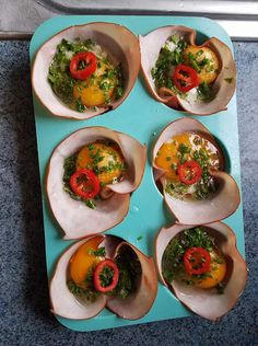 Ingredients: Eggs Ham slices (with no red list ingredients) seasoning vegetables of choice oil to spray in muffin tin cheese (optional) . Reduce Recipe, 5 Day Meal Plan, Ham And Eggs, Soup Broth, Banting Recipes, Free Meal Plans, Vegetable Seasoning, Egg Cups, Budget Meals