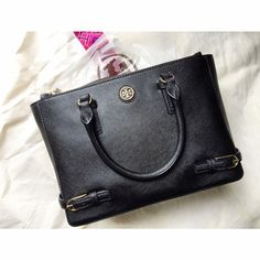 55dff027615 Authentic Tory Burch Small Robinson. Stunning genuine leather Tory Burch  Robinson bag. Gold emblem