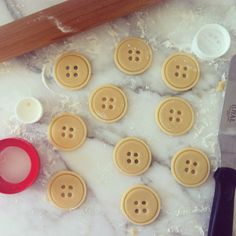 Making button cookies