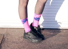 7 Creative Ways To Wear Tights And Socks - We Love Colors