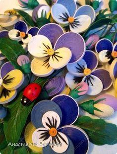 Картина панно рисунок Квиллинг Фиалка трёхцветная Бумага Бумажные полосы Карандаш Клей Краска Проволока фото 8