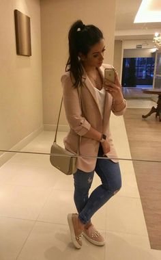 50 Stunning Casual Outfit Ideas For Women To Look Chic – Glamour Magazine Lazy Day Outfits, Mode Outfits, Classy Outfits, Stylish Outfits, Fall Outfits, Fashion Outfits, Fashion Ideas, Hipster Outfits, School Outfits