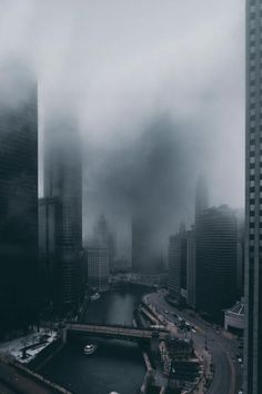 Chicago Looks Dark, Dream-Like & Unbelievably Beautiful in These Photos Urban Photography, Street Photography, Landscape Photography, Travel Photographie, Looks Dark, Between Two Worlds, Dark City, City Aesthetic, City Landscape