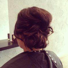 upstyle, loose curls, effortless
