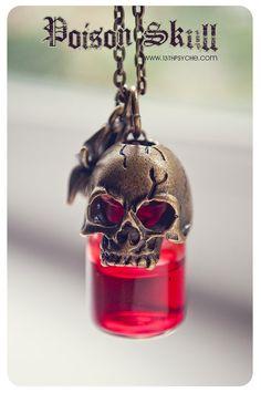 Gothic Skull poison glass bottle Necklace. SELECT por 13thPsyche