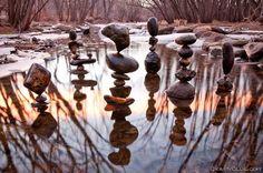 Escultura com pedras