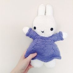 We love this knitted Miffy!