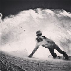 Snowboarding, shredding powder