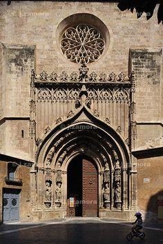 Catedral de Murcia- Puerta de los Apóstoles. Spain