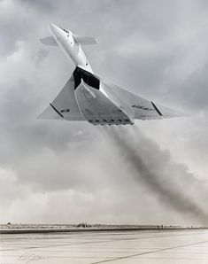 Designed in the late by North American Aviation, the six-engined Valkyrie was capable of cruising for thousands of miles at Mach while flying at feet m). Military Jets, Military Aircraft, Air Fighter, Fighter Jets, Experimental Aircraft, Aircraft Photos, Armada, Aircraft Design, Jet Plane