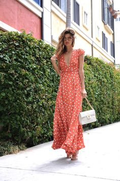Always a fan of a Polka dot long dresses Prom Dress Shopping, Online Dress Shopping, Shopping Sites, Maxi Wrap Dress, Boho Dress, Day Dresses, Casual Dresses, Formal Outfits, Dresses For Work